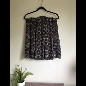 Lularoe Maddison Skirt in Neutral size S